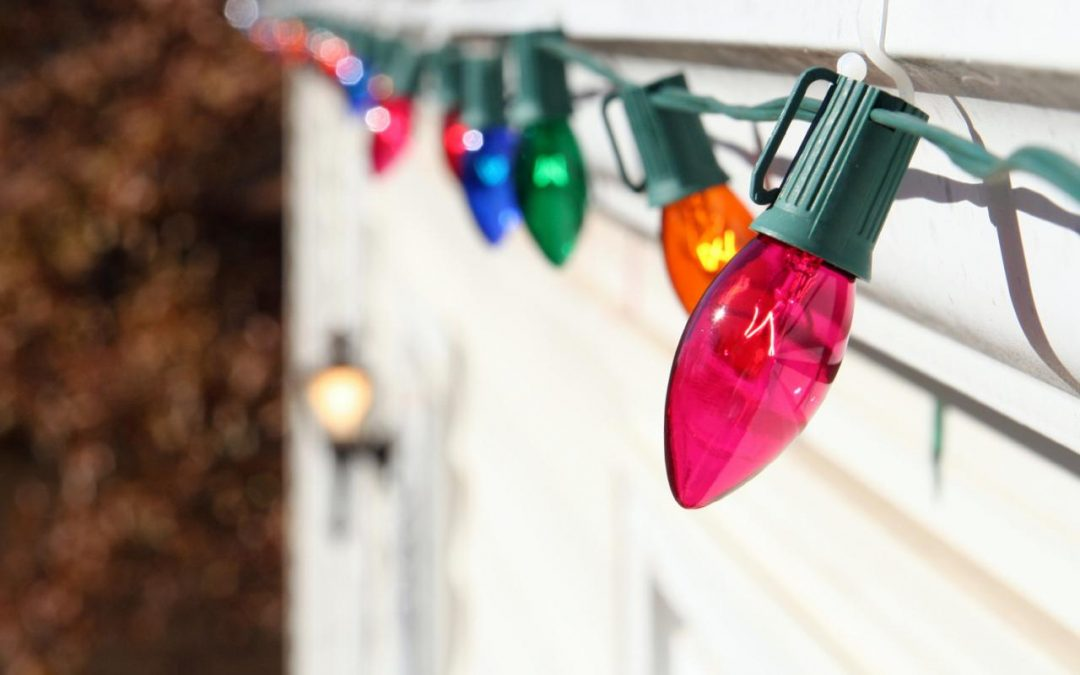 Tips & Tricks for People Who've Never Decorated With Christmas Lights